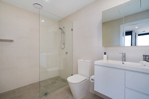 The Bathroom of The Herald One Bedroom Apartment.